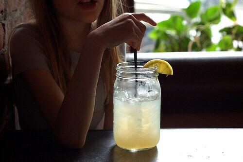 bebidas refrescantes para o verão planters punch.jpg